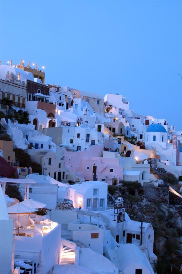 Santorini van de schemer stock afbeeldingen