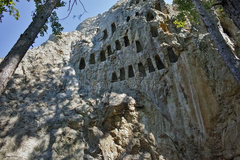 Santuário antigo Eagle Rocks de Thracian perto da cidade de Ardino, região de Kardzhali imagens de stock