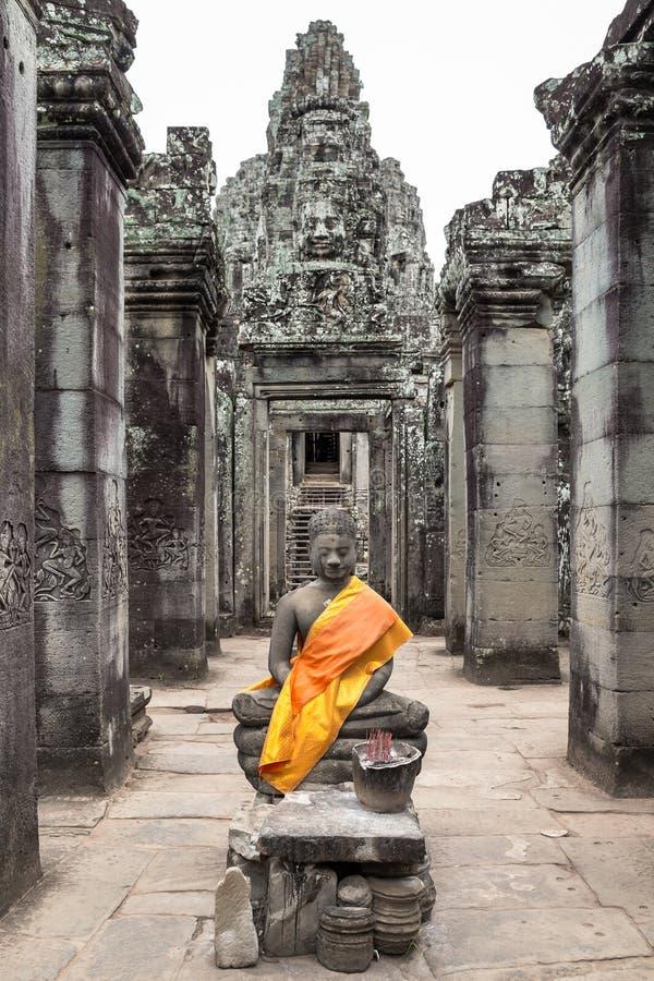 Santuário da Buda no templo de Bayon de Siem Reap Camboja fotografia de stock