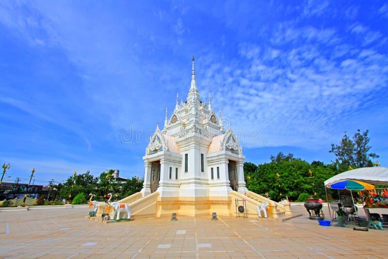 Santuário da coluna da cidade de Surat Thani, Surat Thani, Tailândia fotografia de stock royalty free