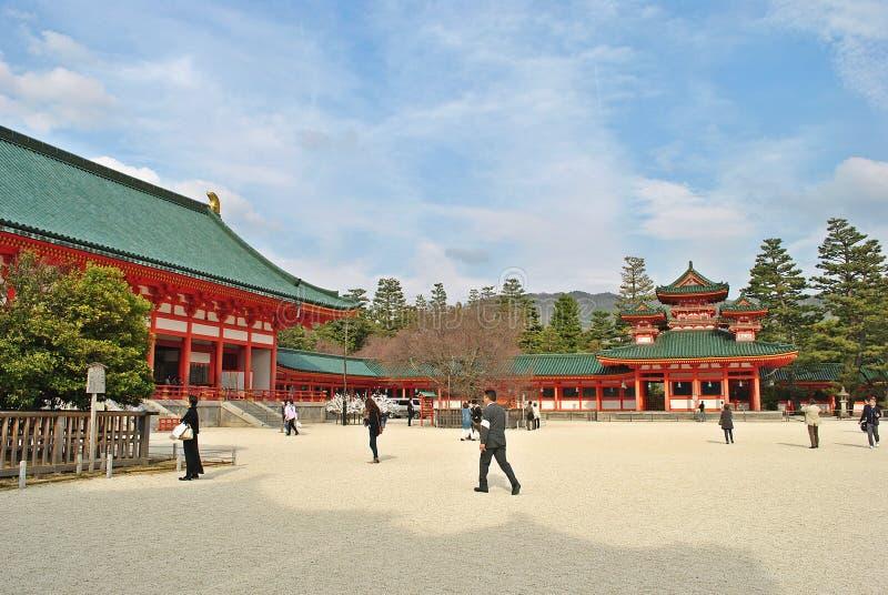 Santuário de Heian Jingu em Kyoto, Japão imagens de stock royalty free