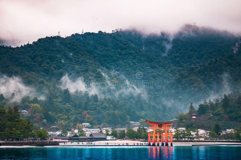 Santuário de Itsukushima, Miyajama, Hiroshima, Japão fotografia de stock