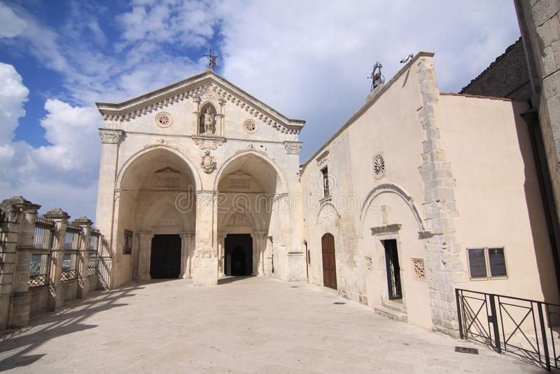 Santuário do monte Sant 'Angelo Foggia Italy do comune de San Michele Arcangelo fotos de stock royalty free