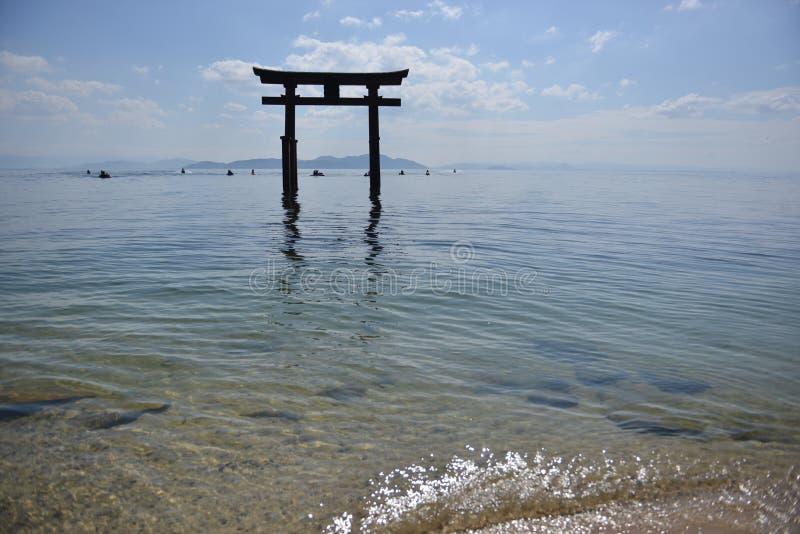 Santuário no mar de japão grande imagem de stock