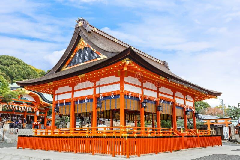 Santuário pequeno no santuário de Fushimi Inari em Kyoto imagens de stock