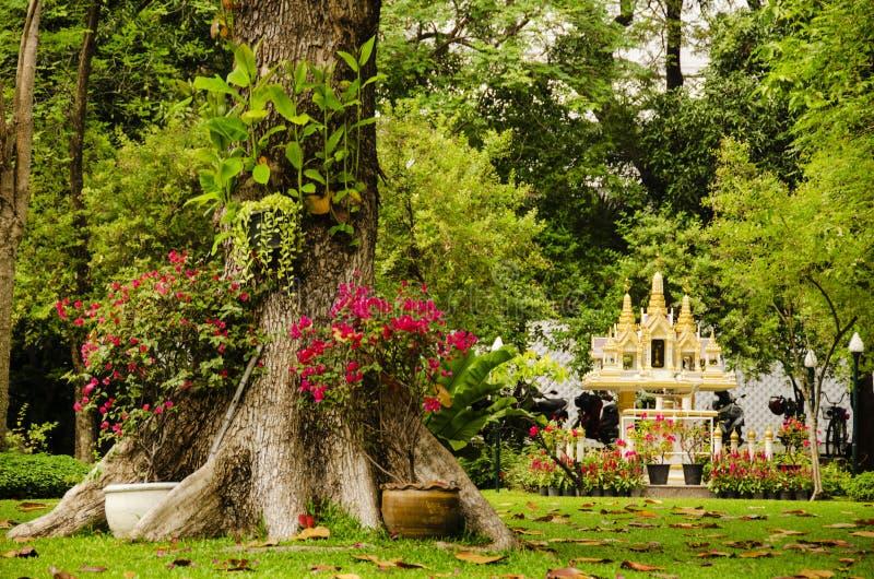 Download Santuário tailandês foto de stock. Imagem de opinião - 29832602