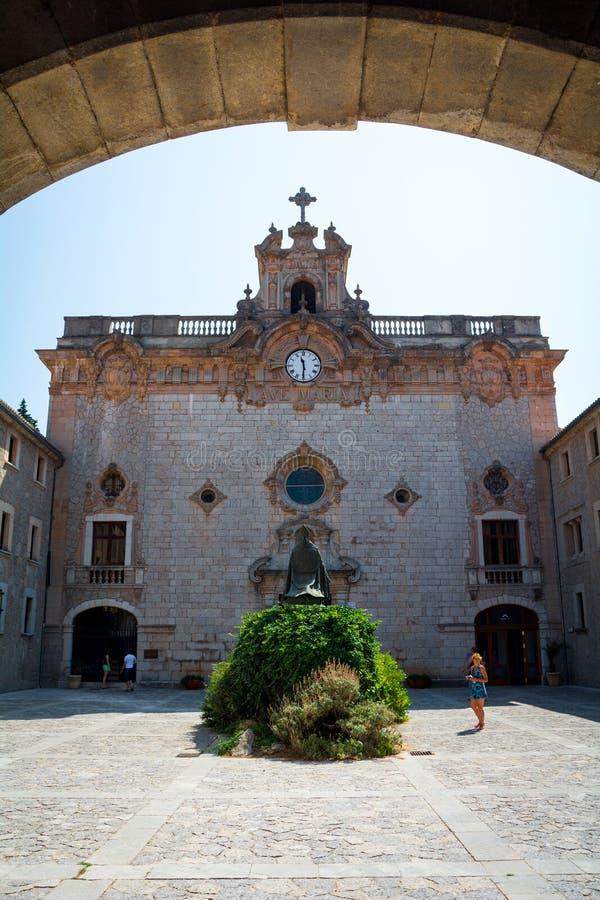 Santuari DE Lluc Weergeven van het beroemde klooster op het Eiland Mallorca royalty-vrije stock foto's