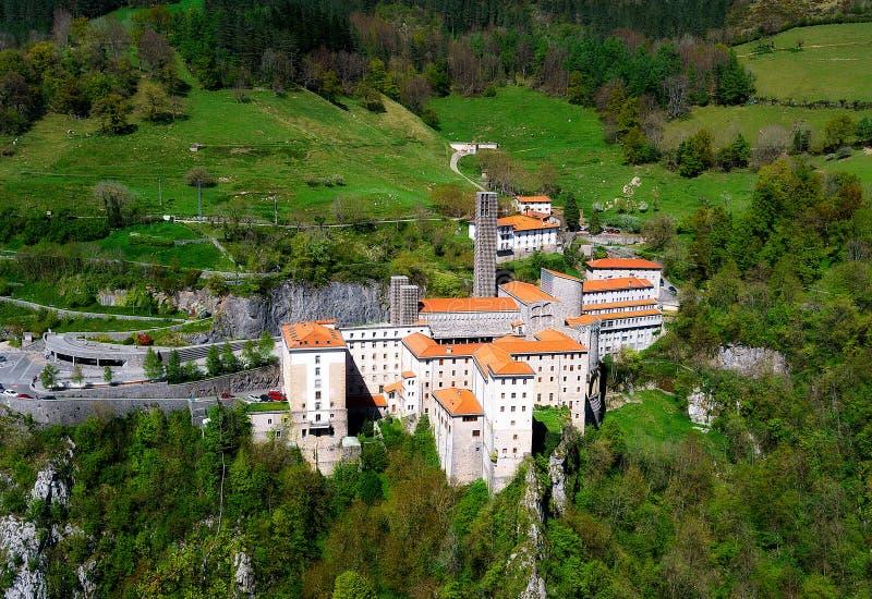 Santuario de Arantzazu en Gipuzkoa imágenes de archivo libres de regalías