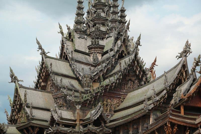 Santuario de la verdad - templo de madera en Pattaya, Tailandia imagen de archivo