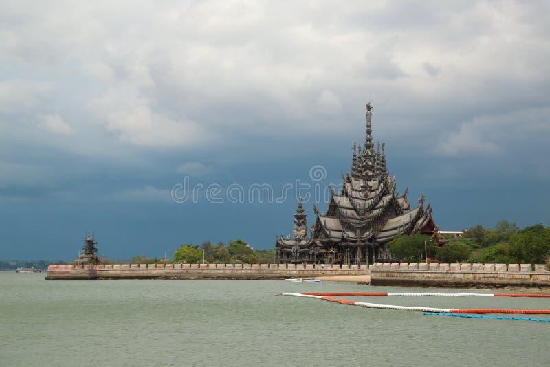 Santuario de la verdad - templo de madera en Pattaya, Tailandia fotos de archivo