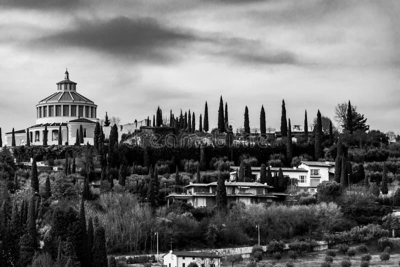 Santuario di Madonna di Lourdes Verona immagini stock
