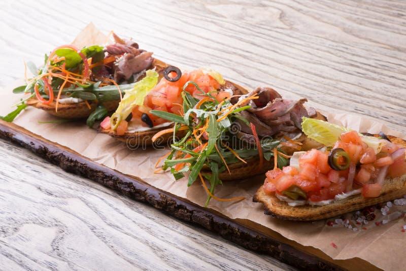 Sanwiches italiani tradizionali dell'aperitivo fotografia stock libera da diritti
