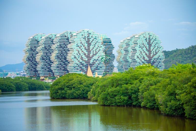 Sanya, Hainan, China - 26 06 2019: Touristisches komplexes Schönheits-Kronen-Hotel in Sanya ist das größte Hotel in der Welt, Hai lizenzfreies stockbild