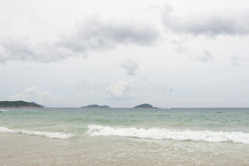 Sanya: playa en la bahía del yalong foto de archivo libre de regalías