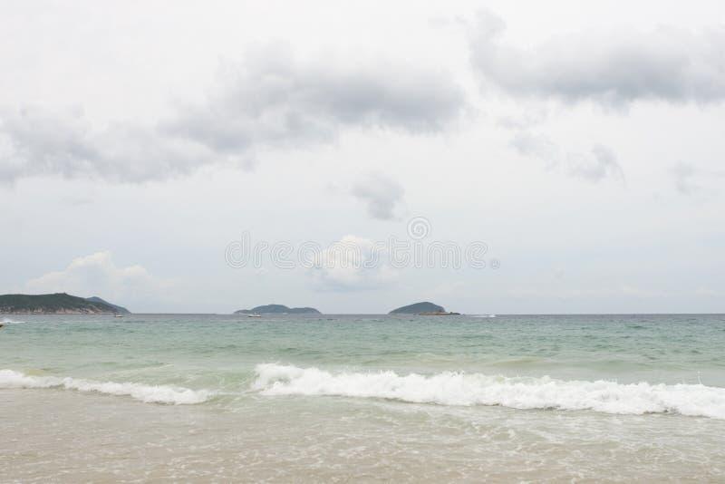 Sanya: praia no louro do yalong foto de stock royalty free