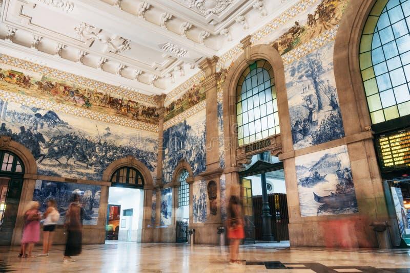 Sao Bento Railway Station a Oporto, Portogallo fotografia stock libera da diritti