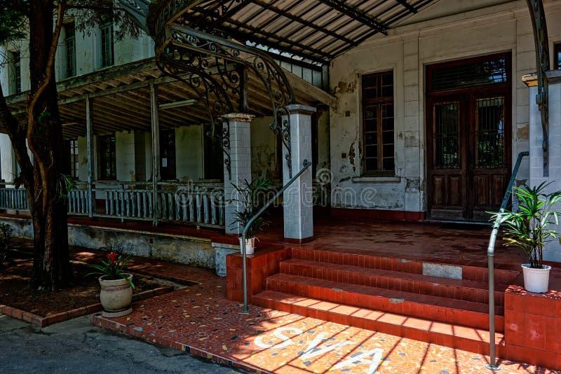 SAO JOSE DOS CAMPOS, SAO PAULO, BRÉSIL - 27 DÉCEMBRE 2018 : Bâtiment principal de parc de Vicentina Aranha, ancien sanatorium photos libres de droits