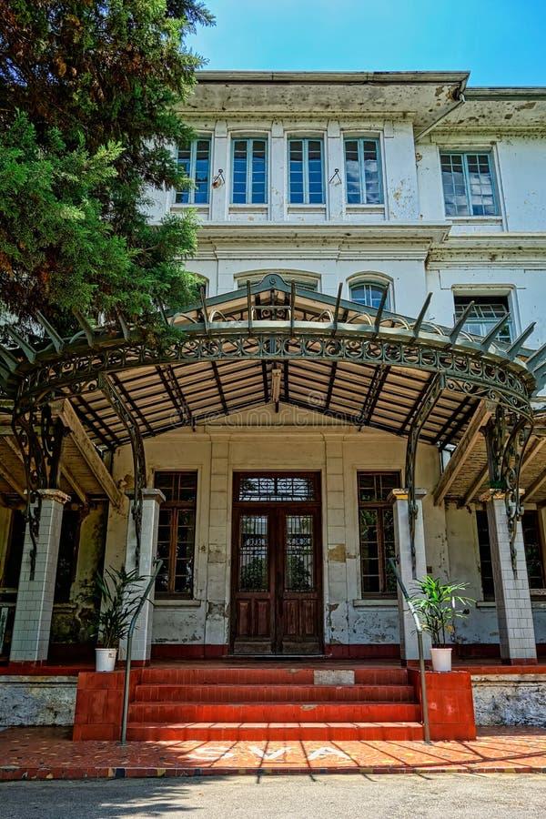 SAO JOSE DOS CAMPOS, SAO PAULO, BRÉSIL - 27 DÉCEMBRE 2018 : Bâtiment principal de parc de Vicentina Aranha, ancien sanatorium photographie stock libre de droits