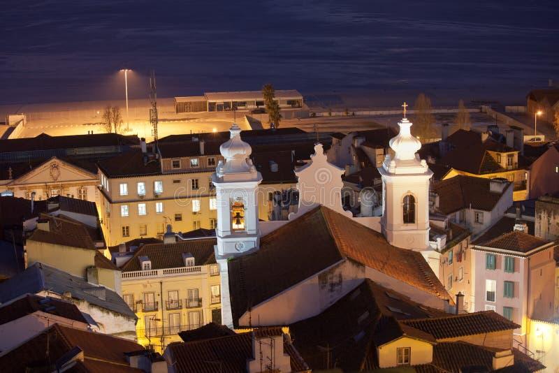 Sao Miguel Church na noite em Lisboa foto de stock