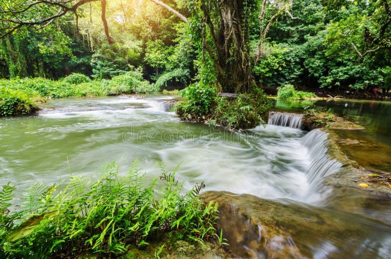 Sao Noi Waterfall de Het photo stock