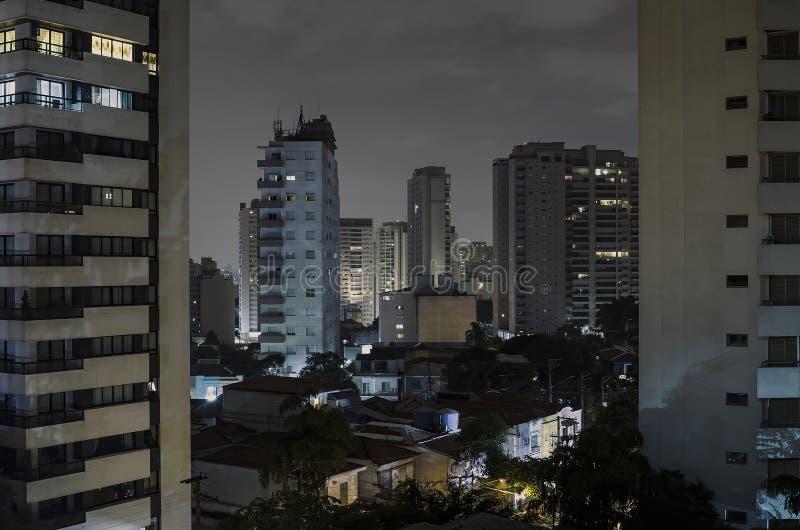 Sao Paulo bij nacht stock afbeelding