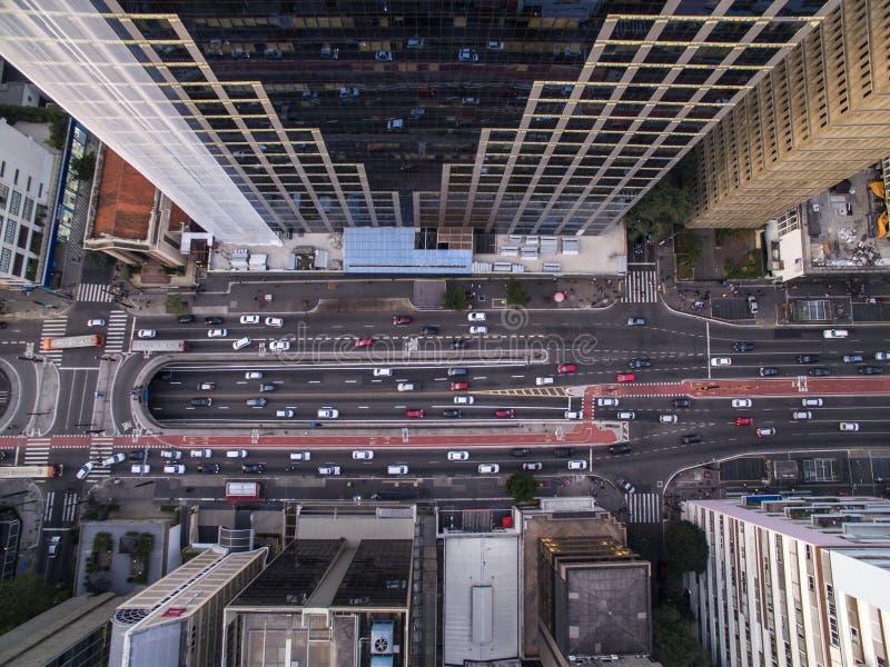 Sao Paulo, Brasil, em agosto de 2017 Vista aérea na avenida de Paulista, na cidade de Sao Paulo imagem de stock royalty free