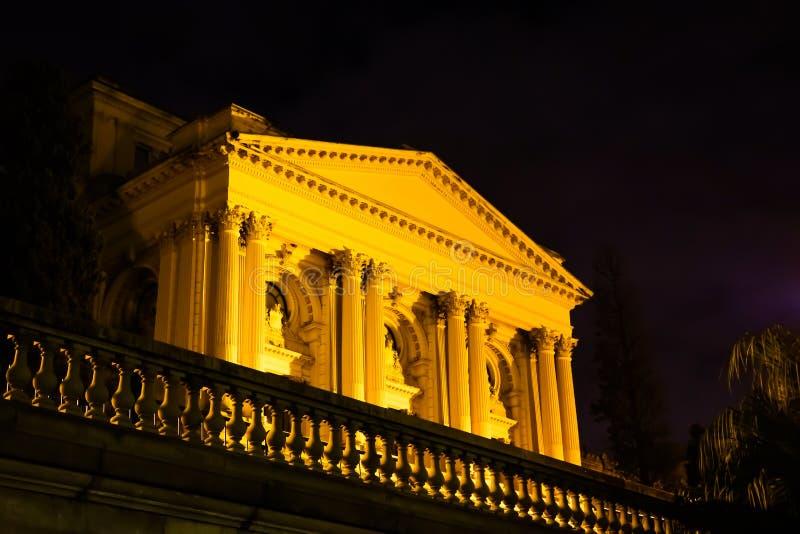 Sao Paulo/el Brasil - junio 20 19: Museo de Ipiranga, iluminado en la noche fotos de archivo libres de regalías