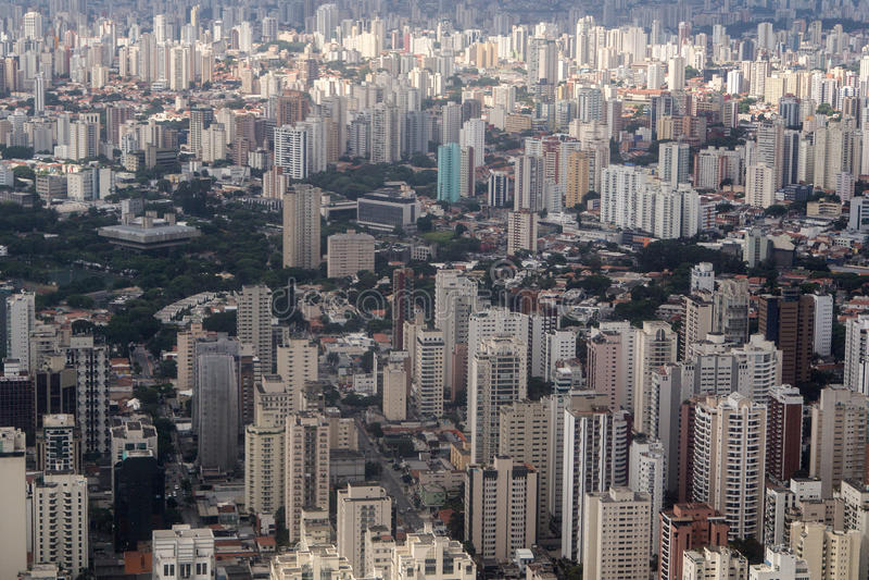 Sao Paulo för flyg- sikt stad - Brasilien arkivbilder