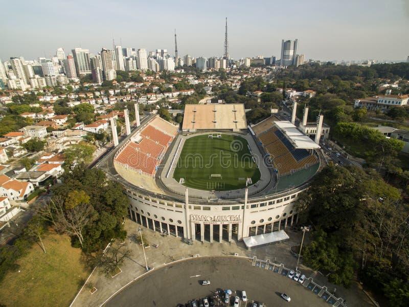 Sao Paulo, SP, Brasil, em agosto de 2017 Ideia aérea do estádio municipal de Pacaembu, chamado Paulo Machado de Carvalho fotografia de stock royalty free