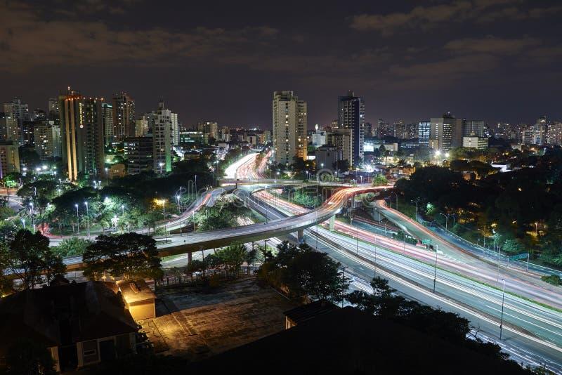 Sao Paulo-Stadt nachts, Brasilien stockbilder