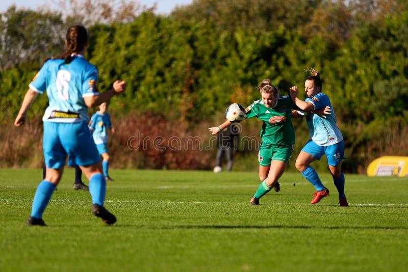 Saoirse Noonan pendant le match de ligue national des femmes entre les femmes de Cork City FC et le Peamount a uni images libres de droits