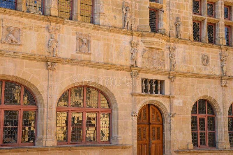 Saone y el Loira, la ciudad pintoresca de Paray le Monial foto de archivo libre de regalías