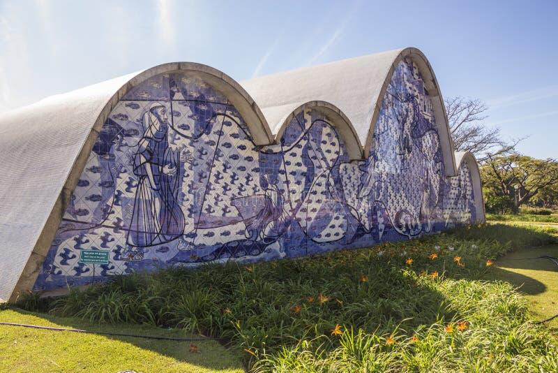 Saoo弗朗西斯科de阿席斯教会- Pasmpulha湖 库存照片