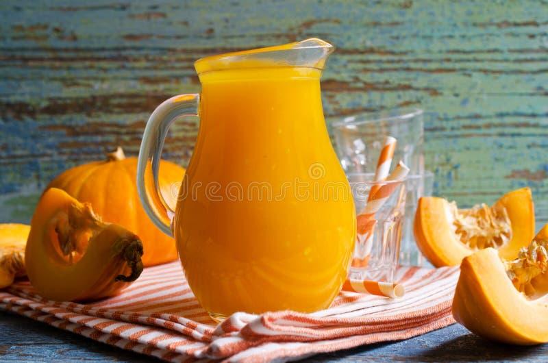 Sap oranje pompoen royalty-vrije stock afbeeldingen