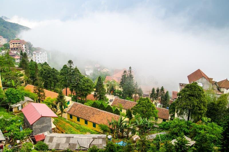 Sapa in de mist, lao cai, Vietnam stock fotografie