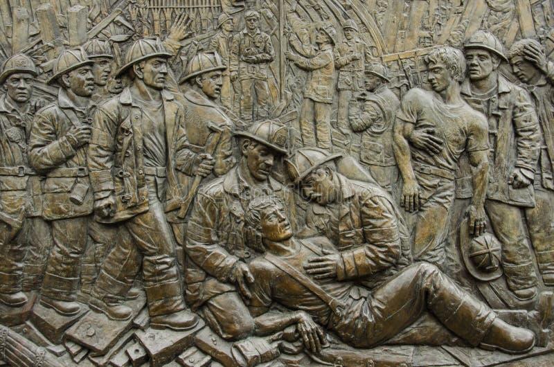 Sapadores-bombeiros do batalhão 9 de FDNY 9/11 de relevo, de motor 54 do Firehouse, de escada 4 & de batalhão memoráveis 9, distr imagem de stock