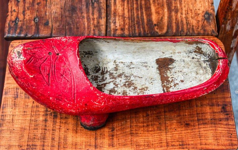 Sapata de madeira velha da obstrução fotografia de stock