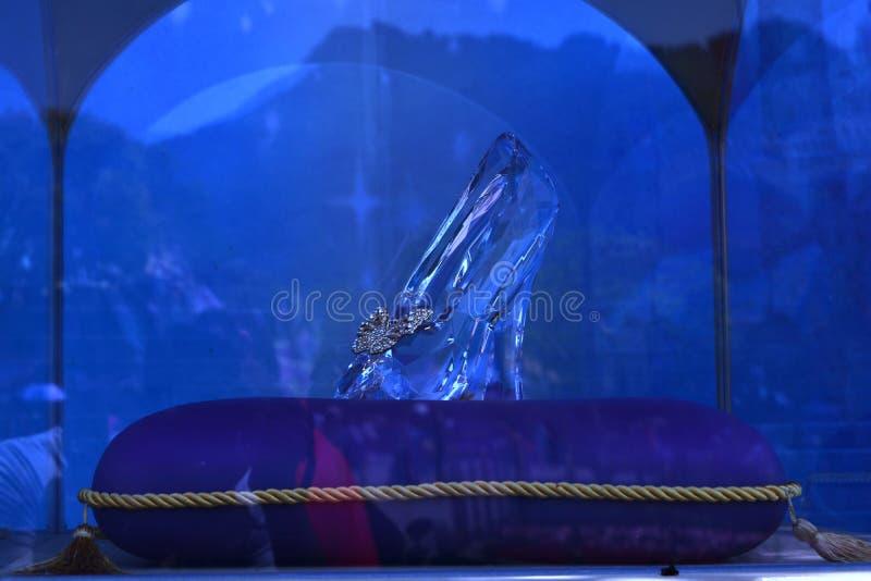 A sapata de vidro de Cinderella foto de stock royalty free
