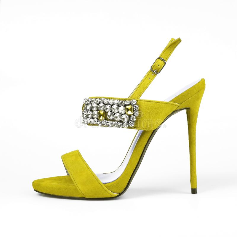 Sapata fêmea amarela foto de stock royalty free