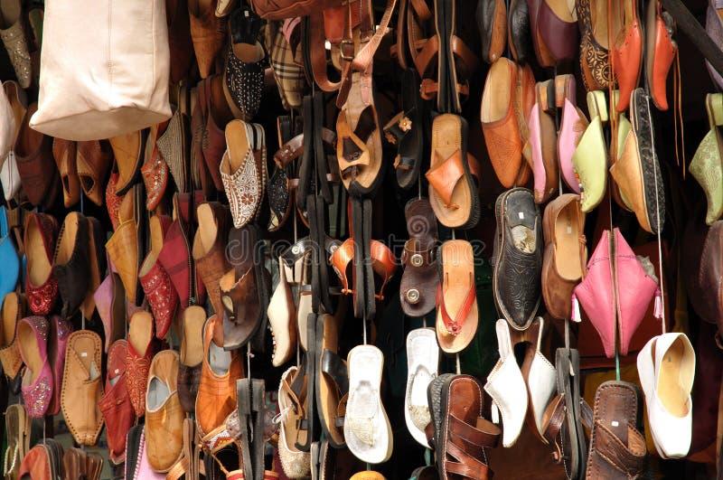 Sapatas coloridas em C4marraquexe foto de stock royalty free