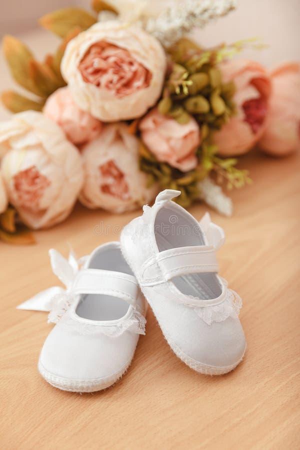 Sapatas do bebê foto de stock