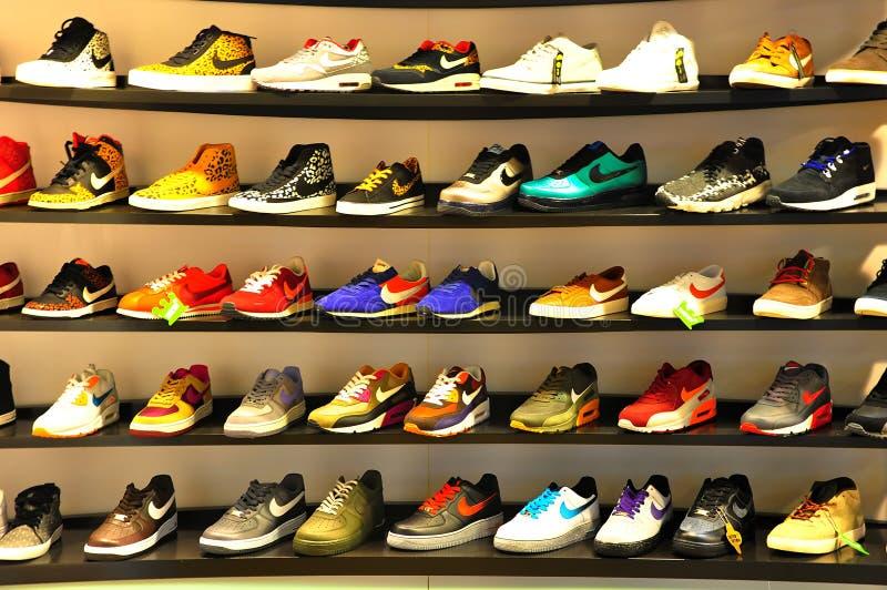 Sapatas dos esportes de Nike fotos de stock royalty free