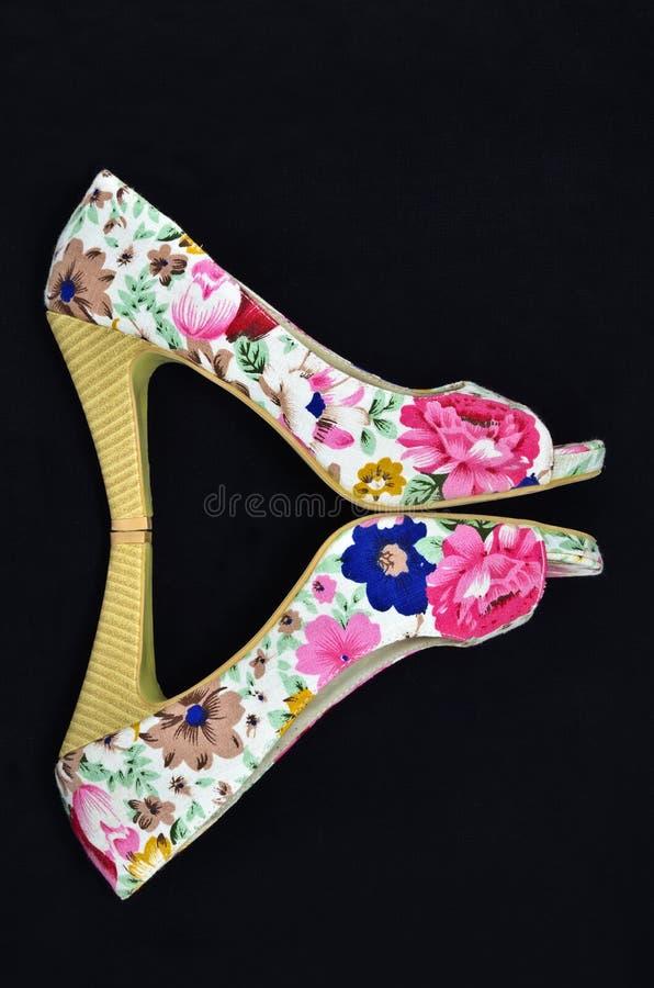 Sapatas florais fotos de stock