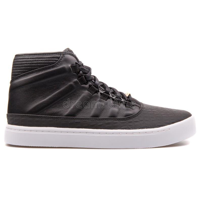 Sapatilha preto e branco de Nike Jordan Westbrook fotos de stock