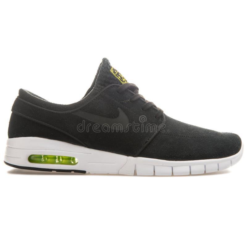 Sapatilha preto e branco de Nike Stefan Janoski Max Leather foto de stock royalty free