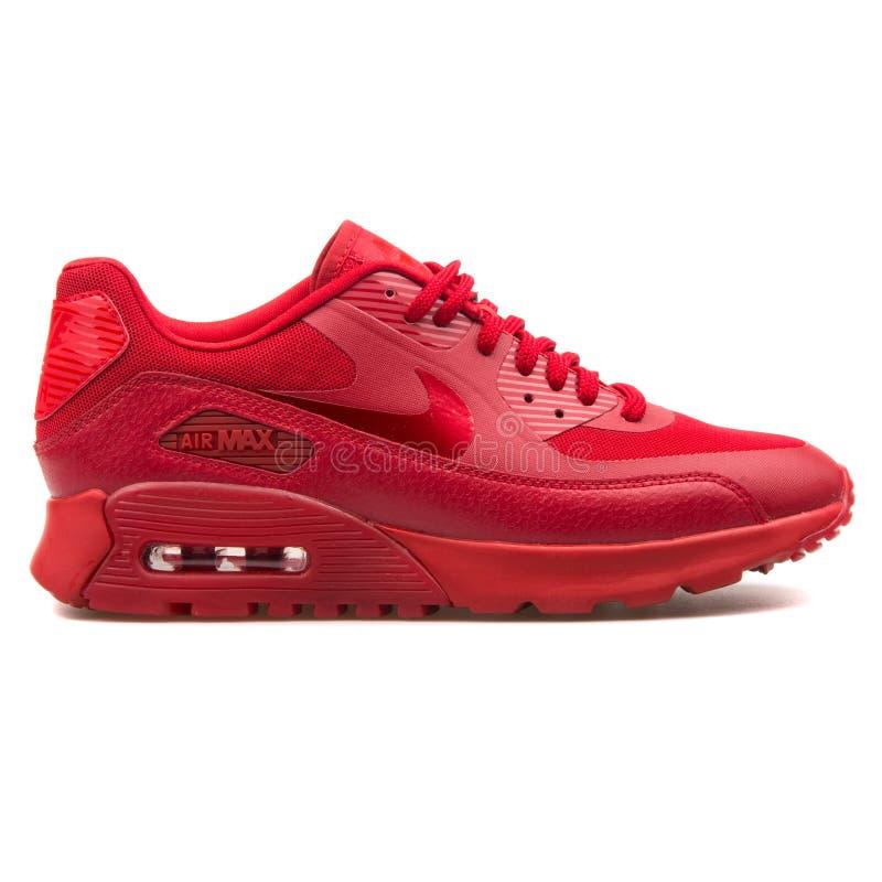 Sapatilha vermelha ultra essencial de Nike Air Max 90 fotos de stock royalty free
