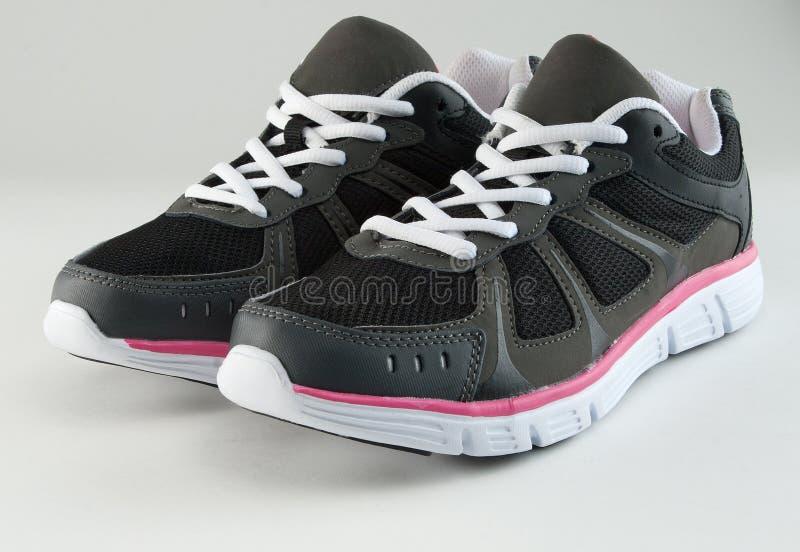 Download Sapatilhas foto de stock. Imagem de de, esportes, cinzento - 22585964