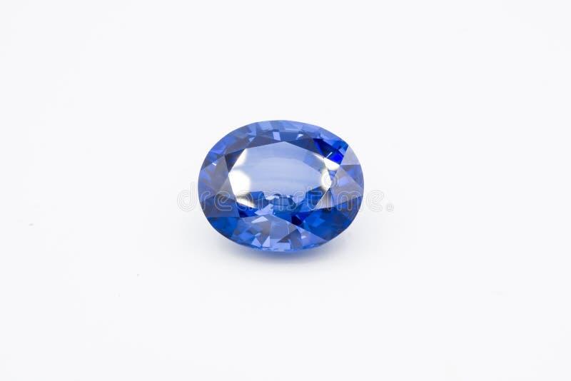 Saphir sur le fond blanc, gemmes bleues de saphir bleu, gemme, bleue photographie stock
