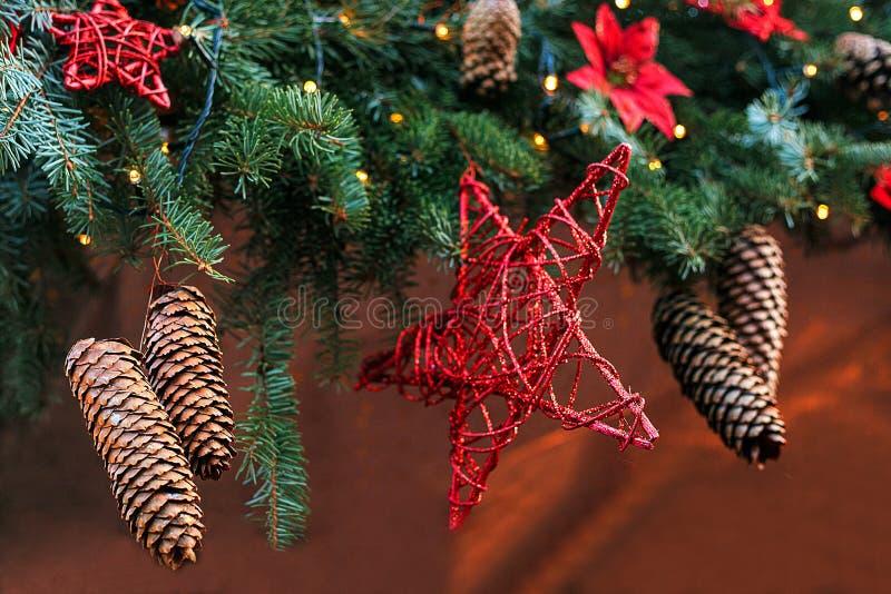 Sapin de décoration de Noël Foyer sélectif Concept de vacances images stock