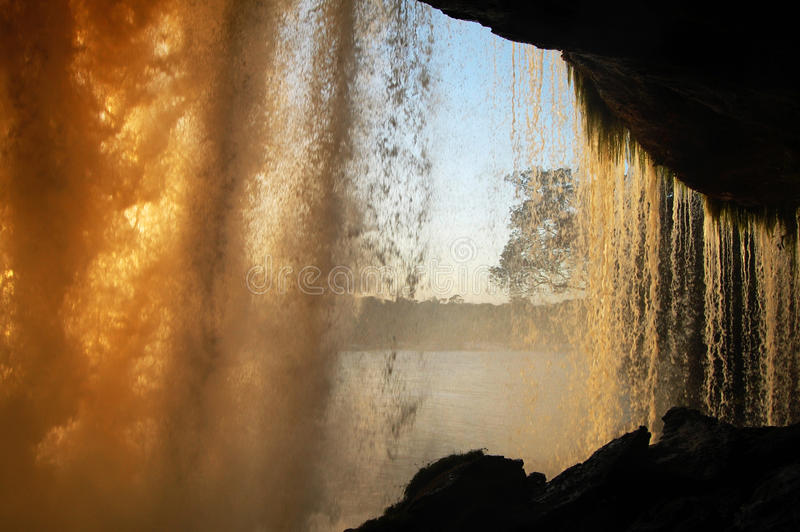 Sapo vattenfall - Venezuela arkivfoton